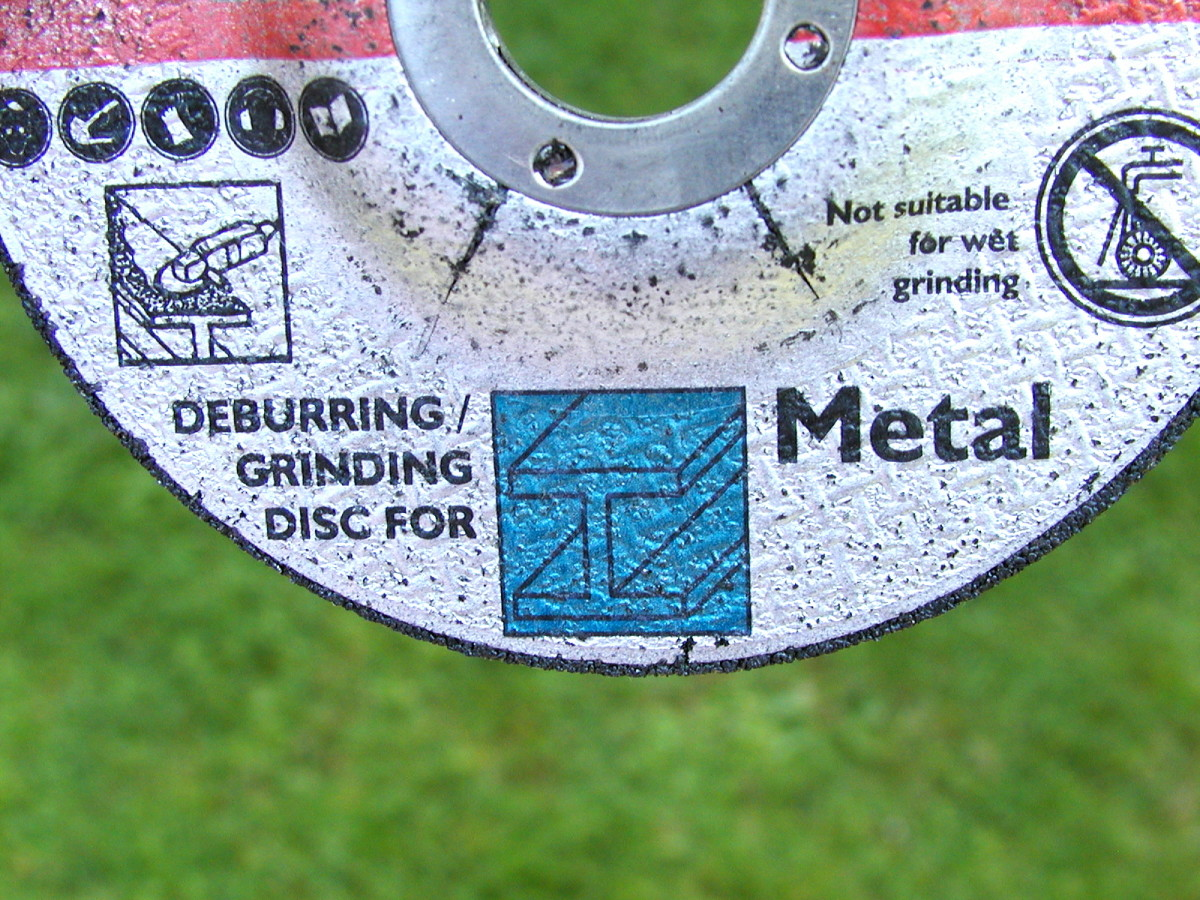 Make sure you're using a grinding disk, not a cutting disk!