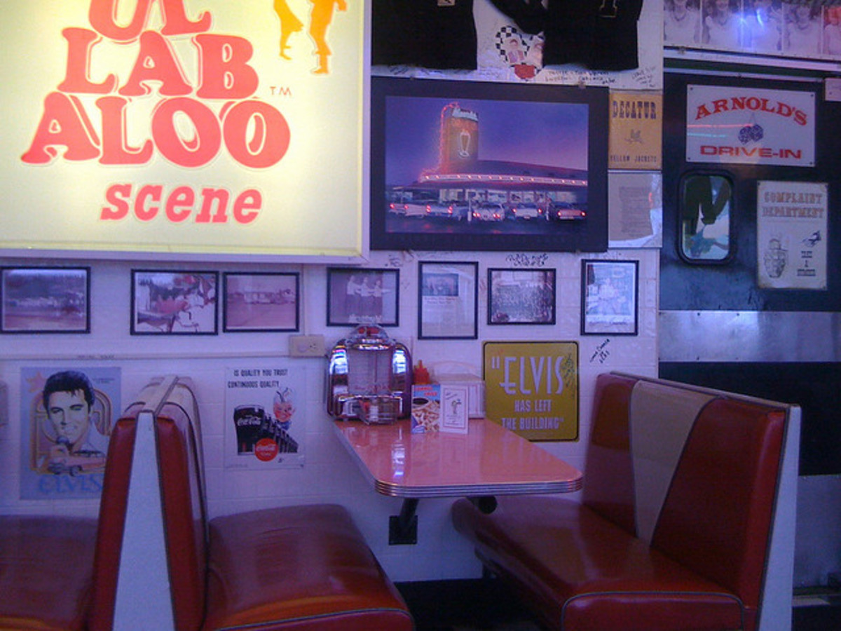 Typical retro diner wall decor.