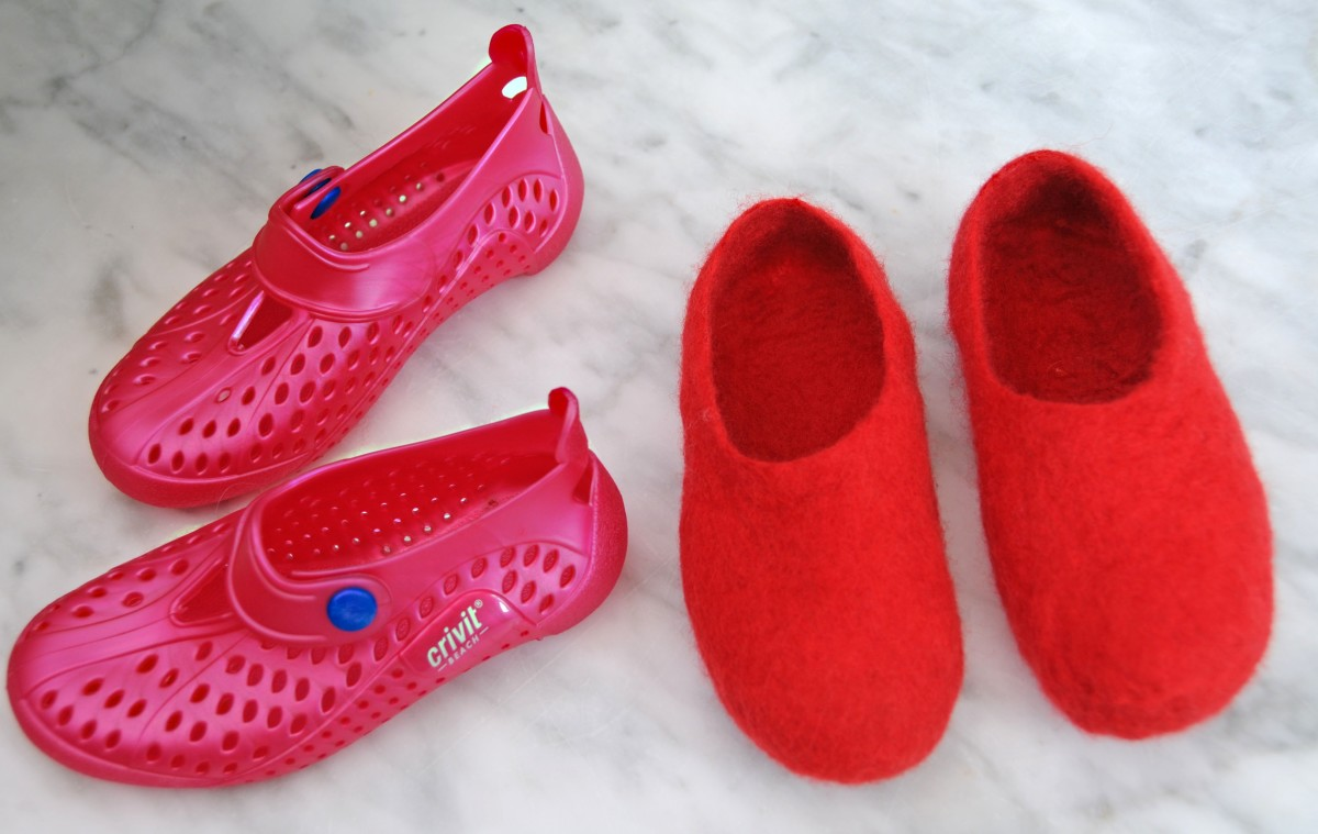 How to Make Wet-Felted Slippers:  An Easy Free Tutorial