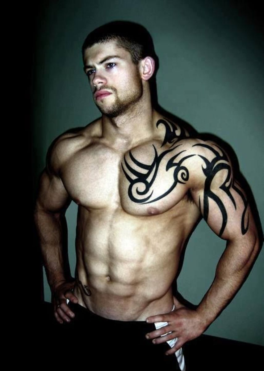 Muscled Guy Teasing With His Body