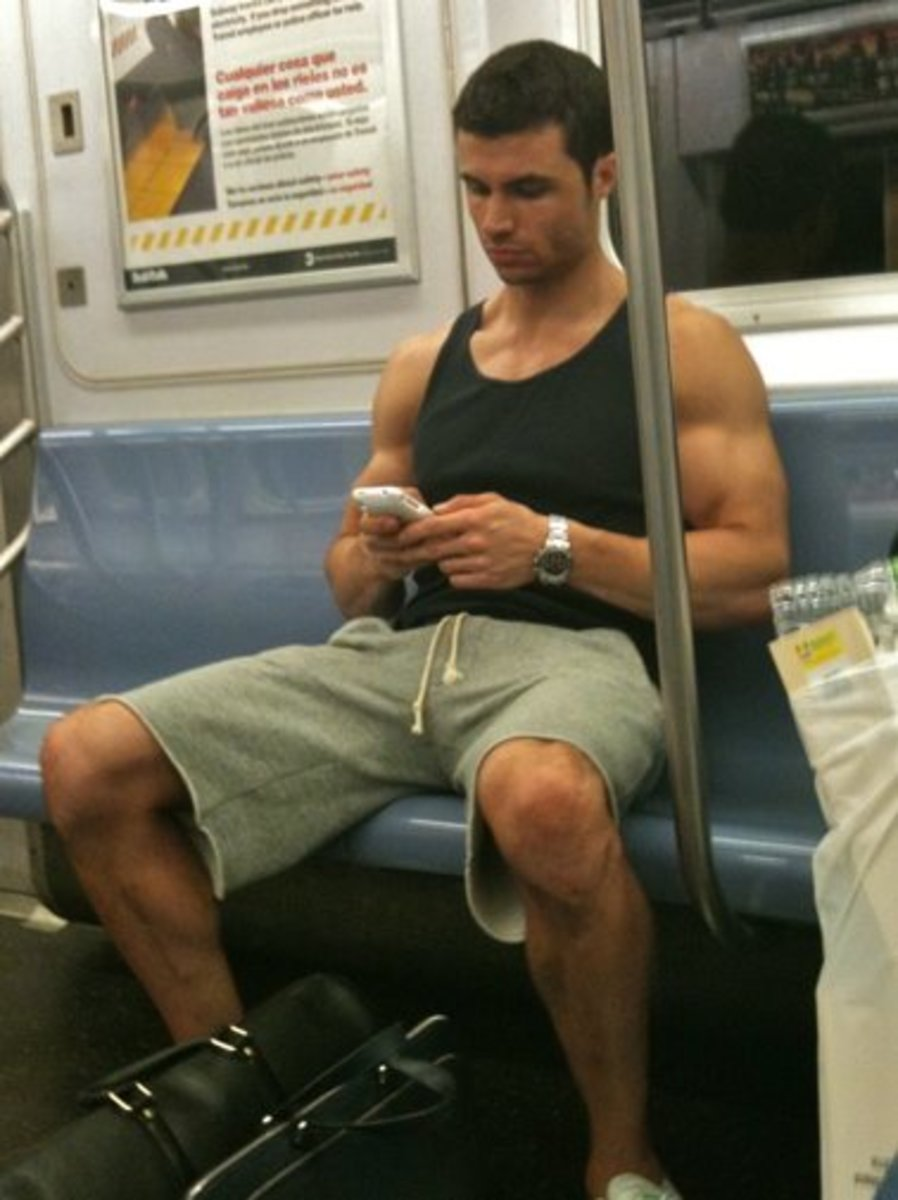 Five Hot Train Guys: Best Trains in Chicago to Meet Super Hot Men!