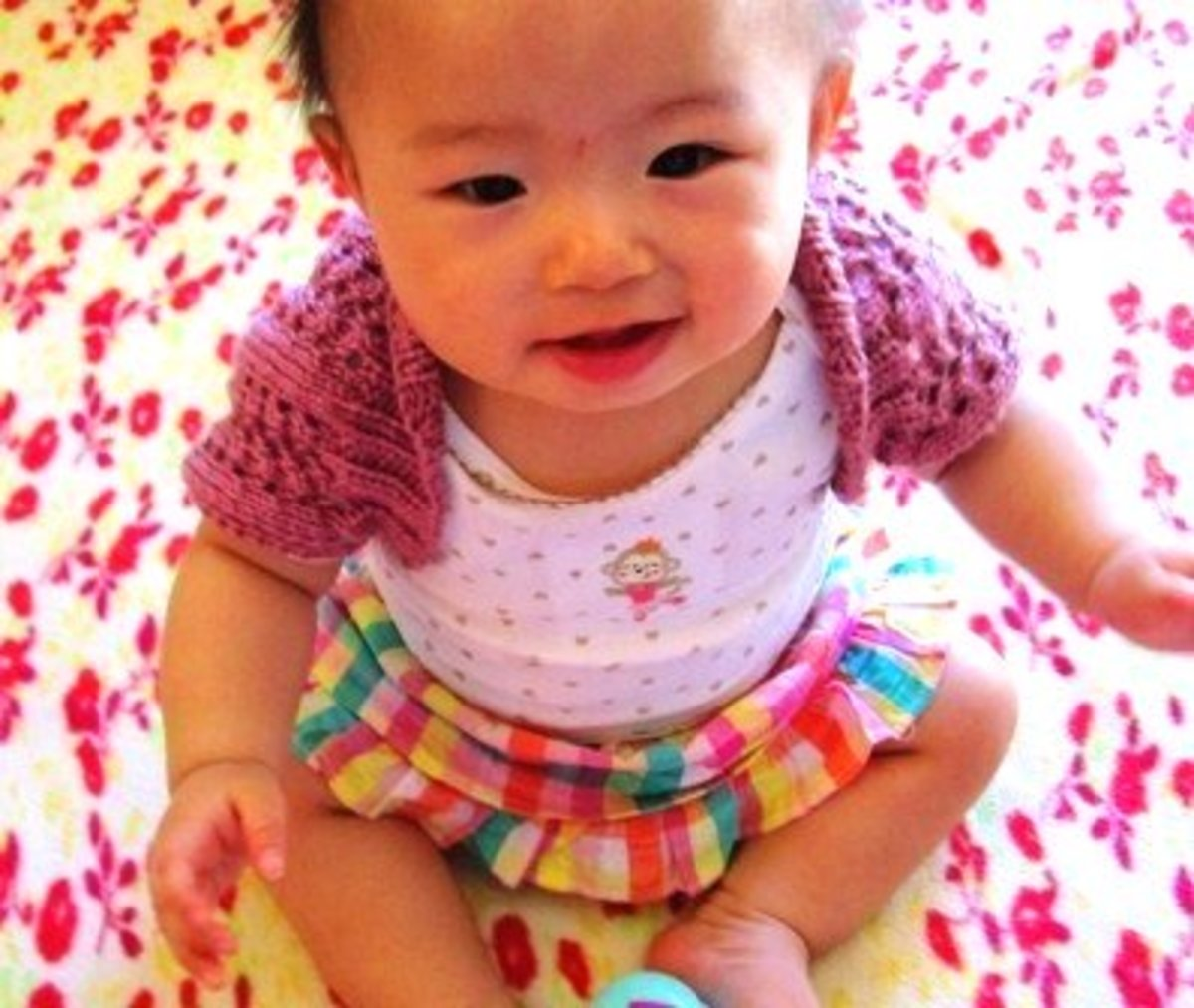 Easy and Cute Baby Shrug Knitting Pattern
