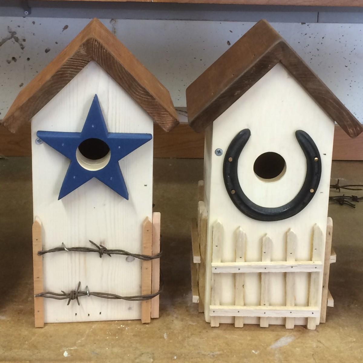 Birdhouse ideas 10 different diy birdhouse plans and for Sparrow birdhouse plans