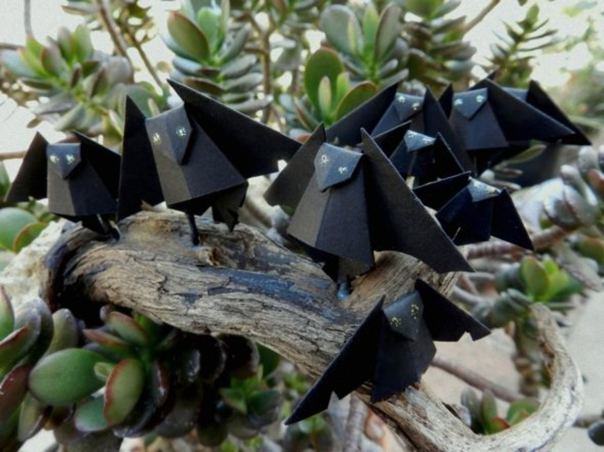 How to Artfully Decorate With Halloween Origami Bats