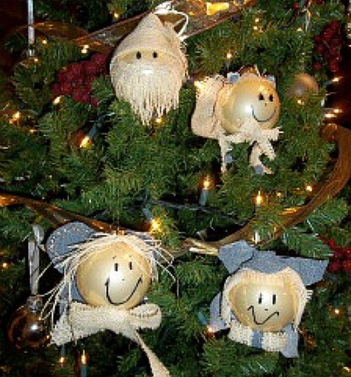 10 DIY Burlap Christmas Ornament Ideas