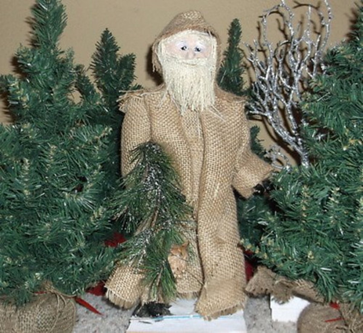 Make a Rustic Santa Craft