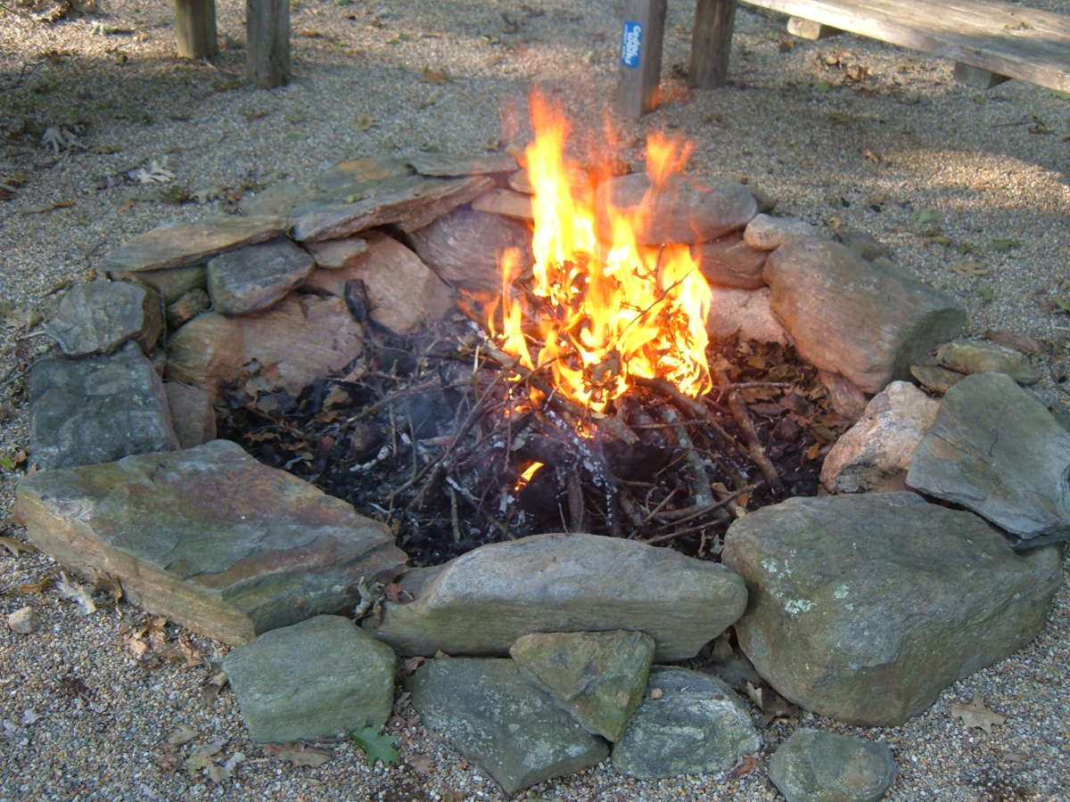 how to build a fieldstone fire pit dengarden. Black Bedroom Furniture Sets. Home Design Ideas