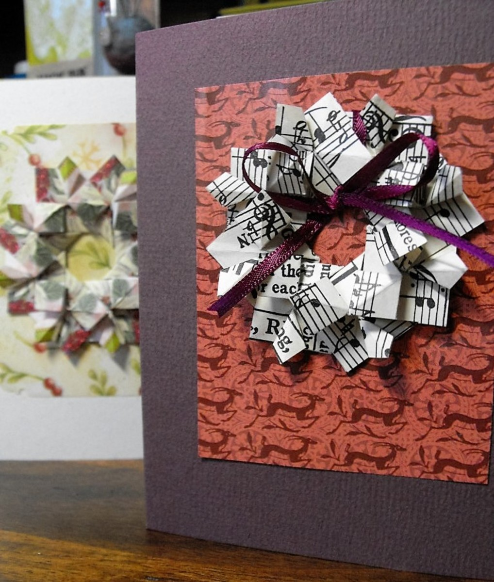 How to paper fold greeting card wreaths holidappy for How to make folded christmas cards