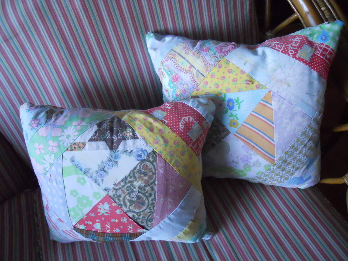 how to make throw pillows from a quilt or vintage handkerchief Making Accent Pillows