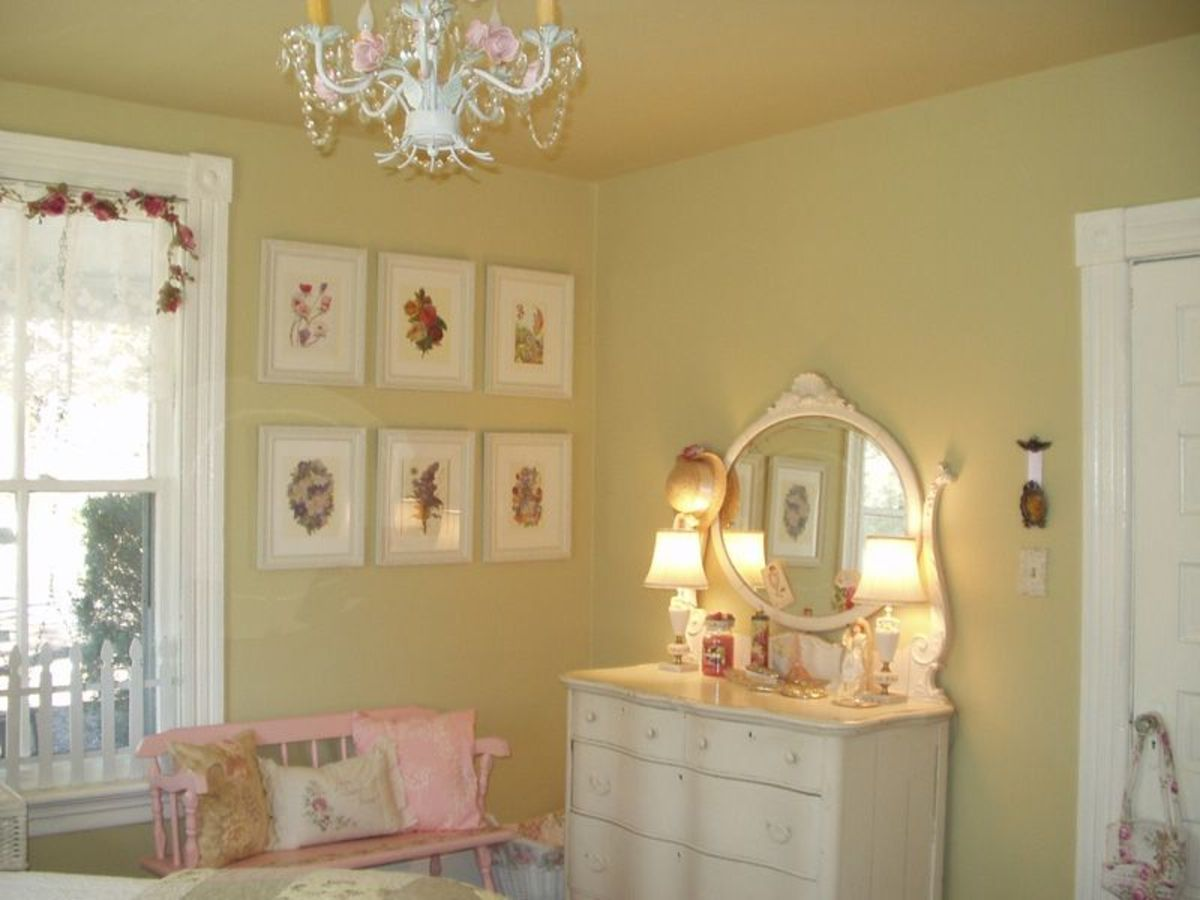 These are a few examples of things you can easily do to create a romantic cottage bedroom.