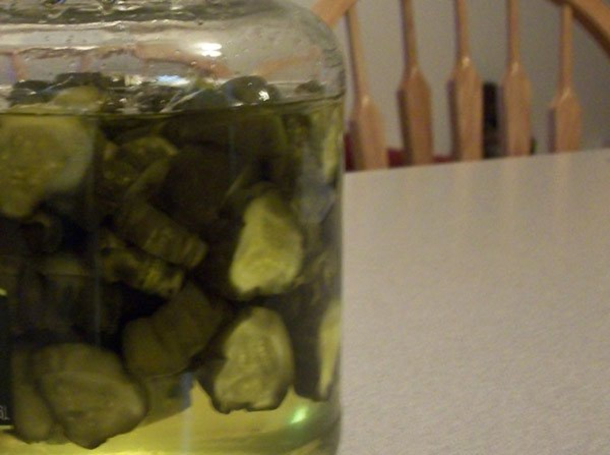 Sweet, Crunchy Homemade Pickles
