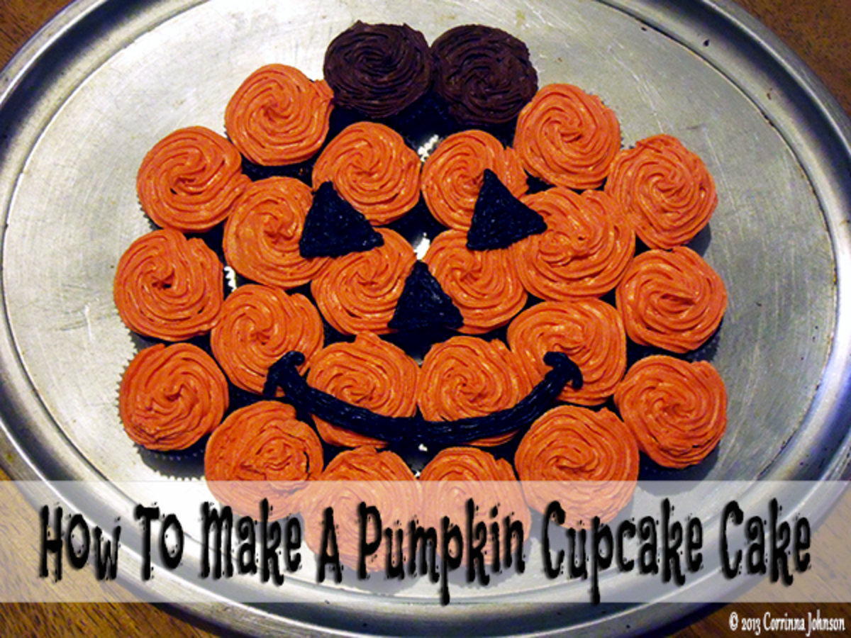 This pull-apart cupcake cake in the shape of a pumpkin makes a fun addition to any Halloween party!