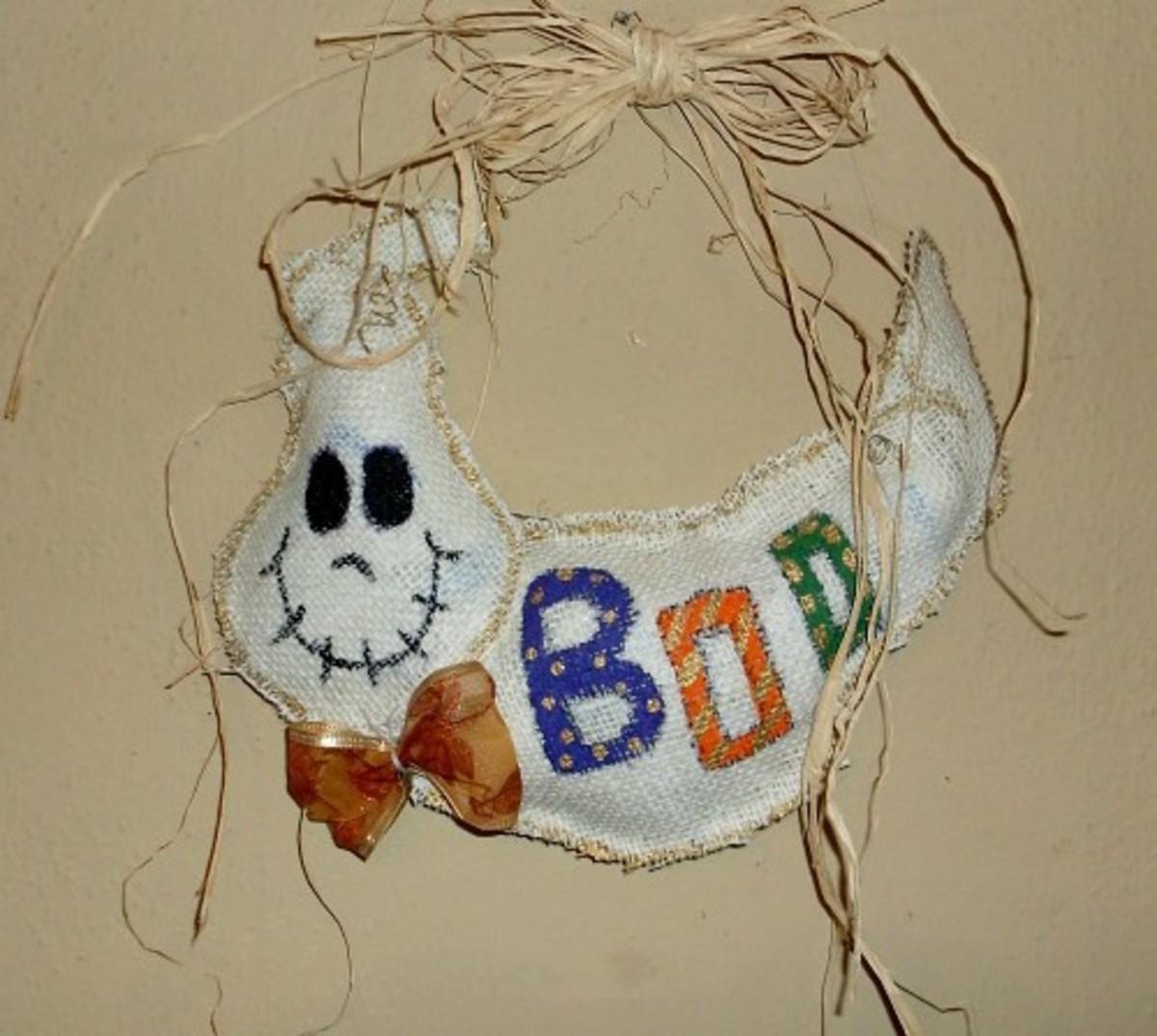 How to Make a Ghost Door Hanger for Halloween