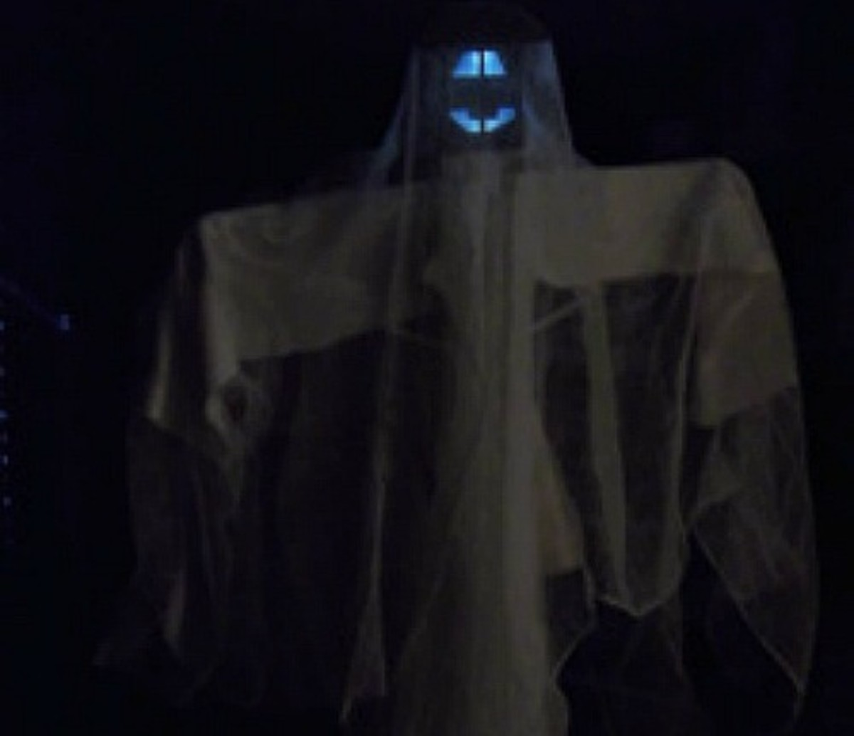 How to Make a Spooky Solar-Light Ghost for Halloween