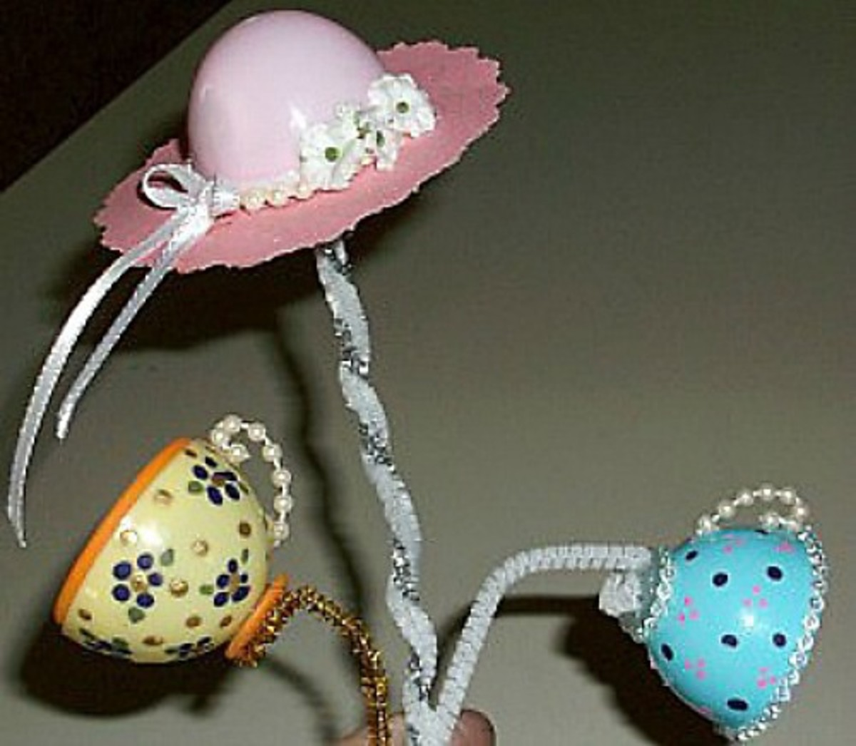 How To Make Teacups And Hats Out Of Plastic Eggs Feltmagnet