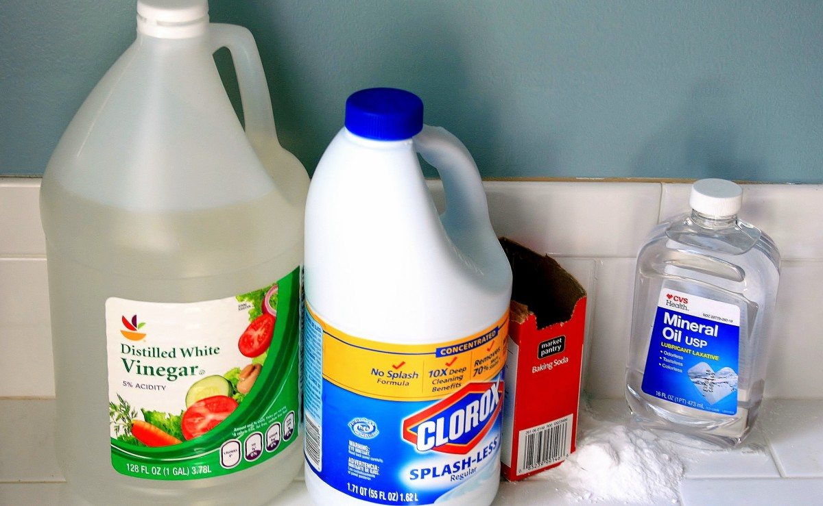 What you'll need: White vinegar, baking soda, bleach, mineral oil, and hot water.