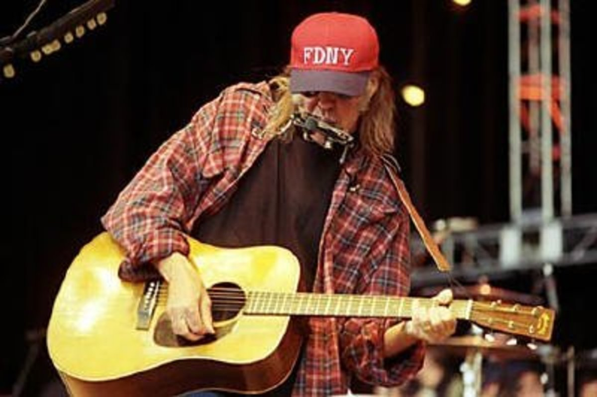 neil young and martin acoustic guitars spinditty