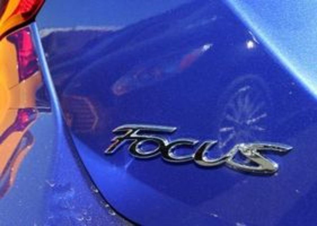 How Do I Open The Hood Of My Ford Focus?