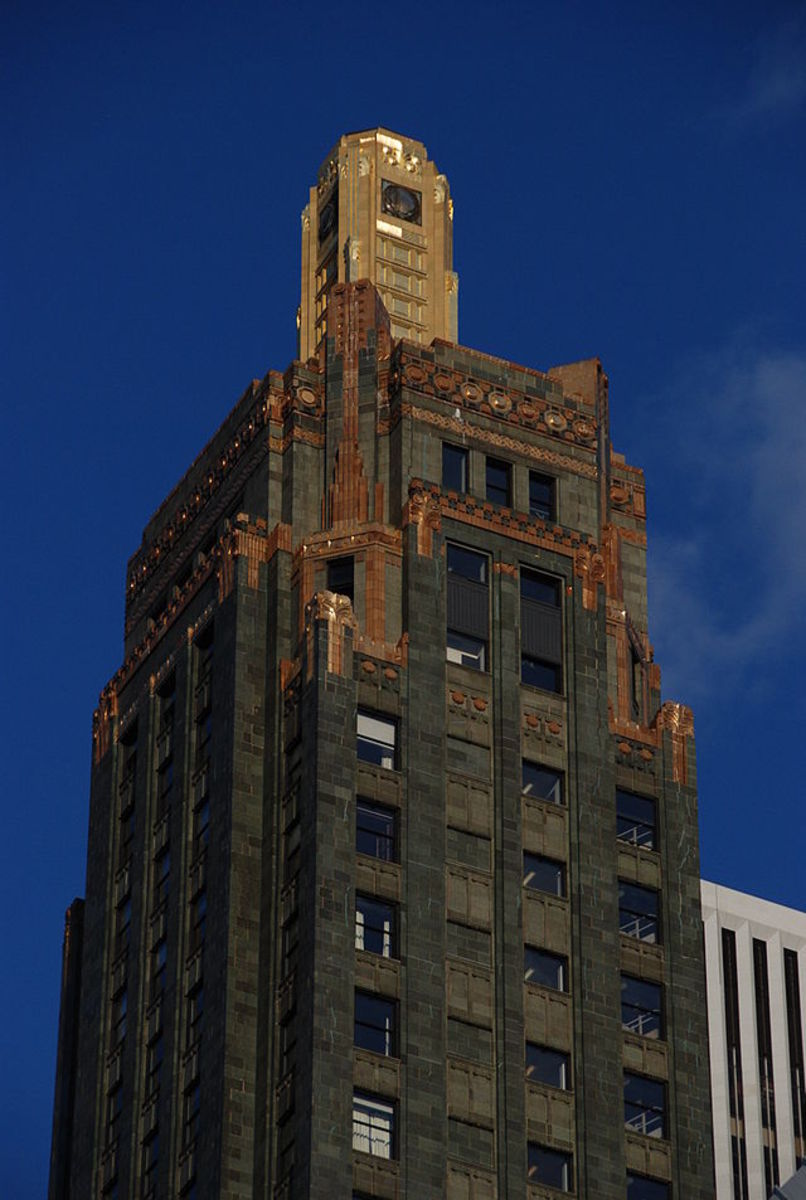 Carbide & Carbon Building top-a good example of classic Art Deco Architecture