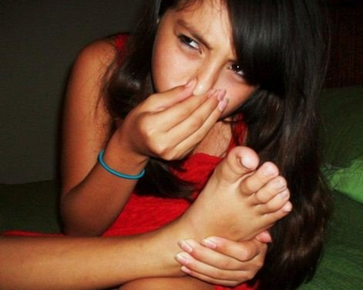 How to Stop Smelly Feet