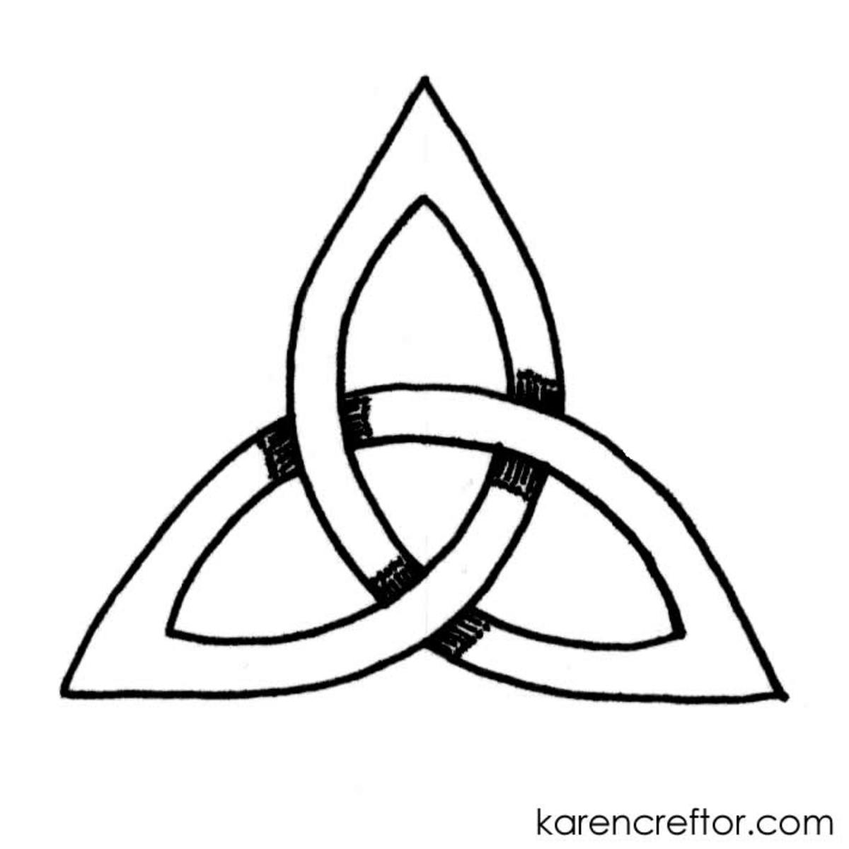 how to draw a triquetra with 10 steps and a compass
