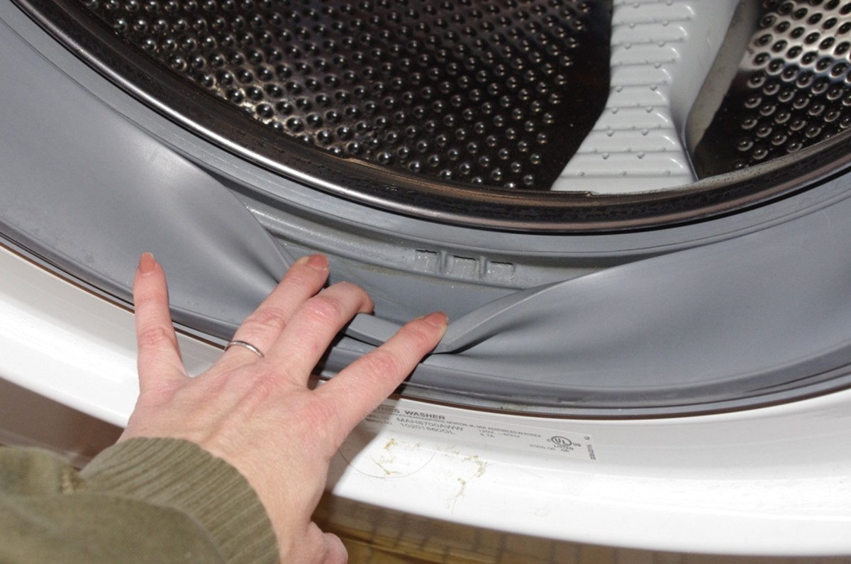 A clean washing machine stops musty clothes in their tracks!
