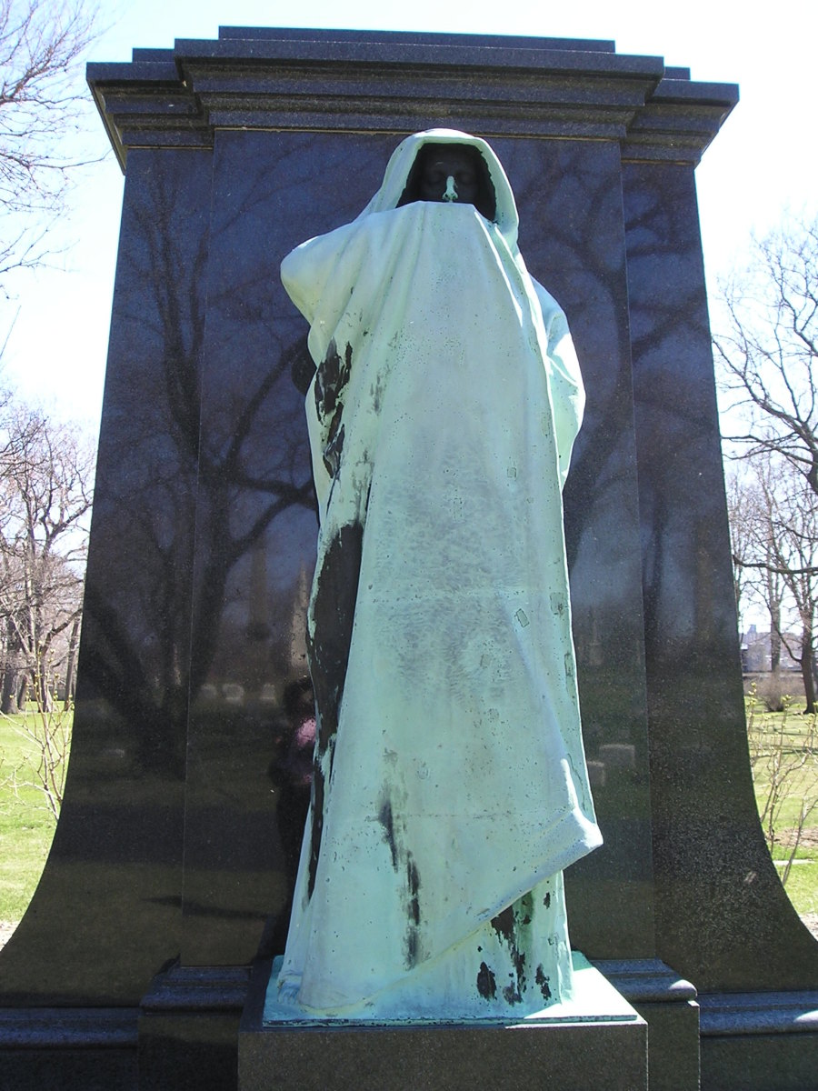 Artists and Architects: A Tour of Chicago's Historic Graceland Cemetery