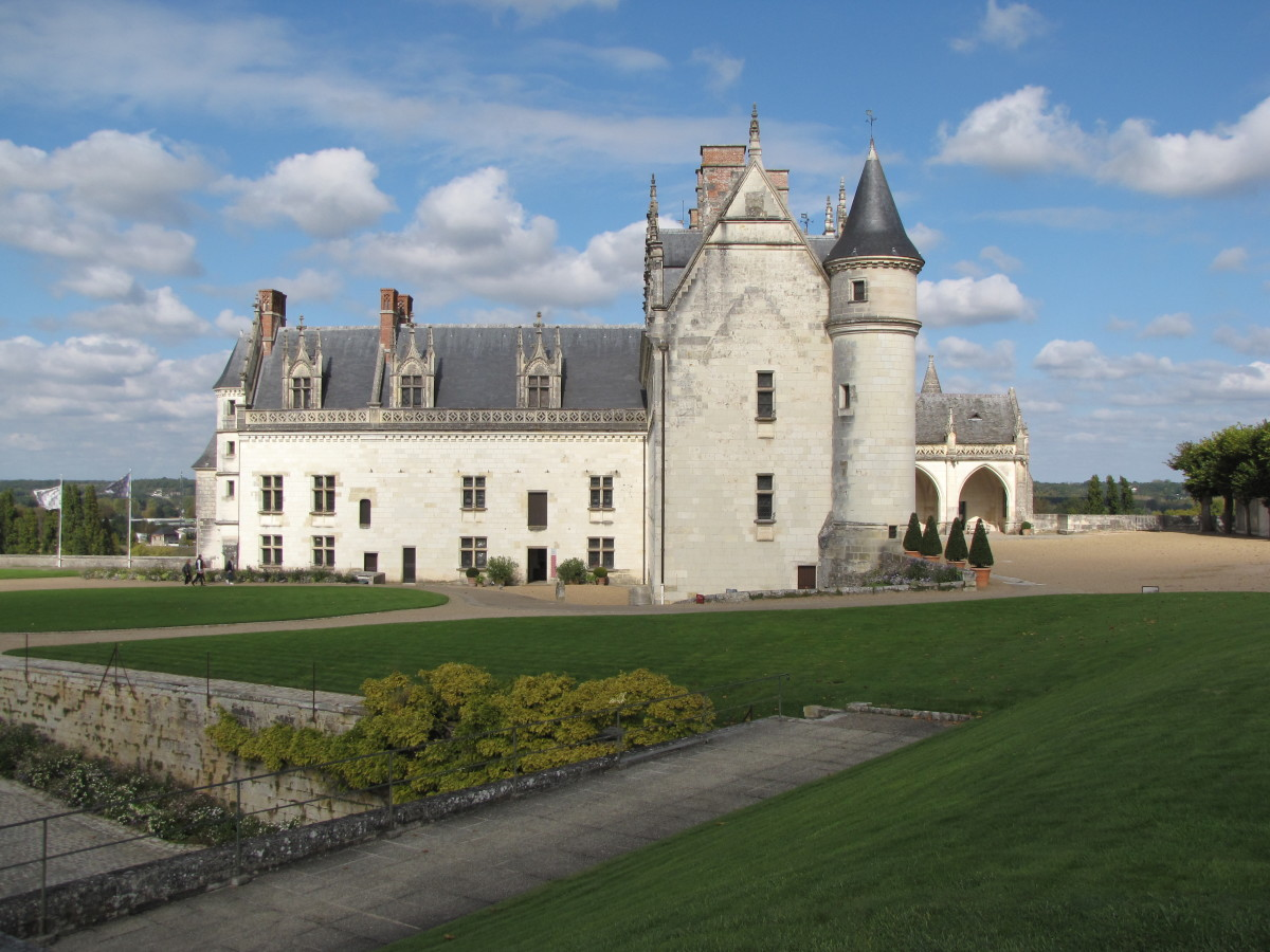 Visiting Chateau d'Amboise - Loire Valley, France