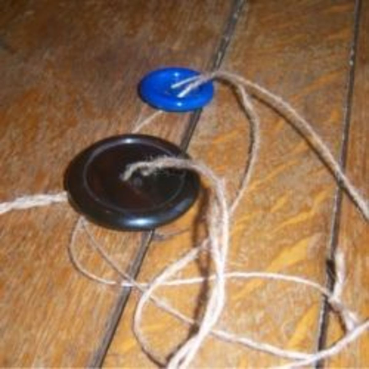 homemade-button-string-toy