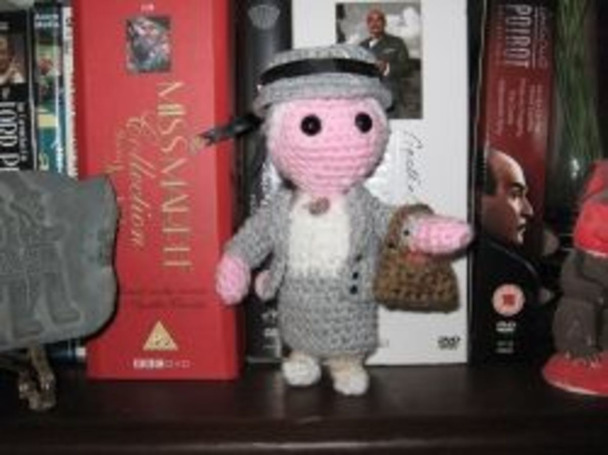 My own mini Miss Marple, from my chibi detective designs
