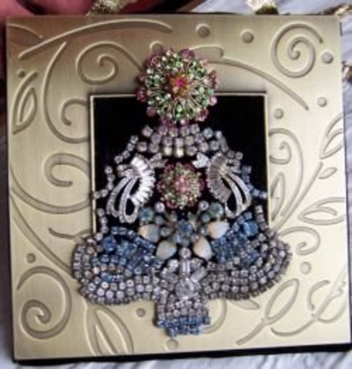 Christmas Gift Idea Make A Jewelry Christmas Tree Framed Art