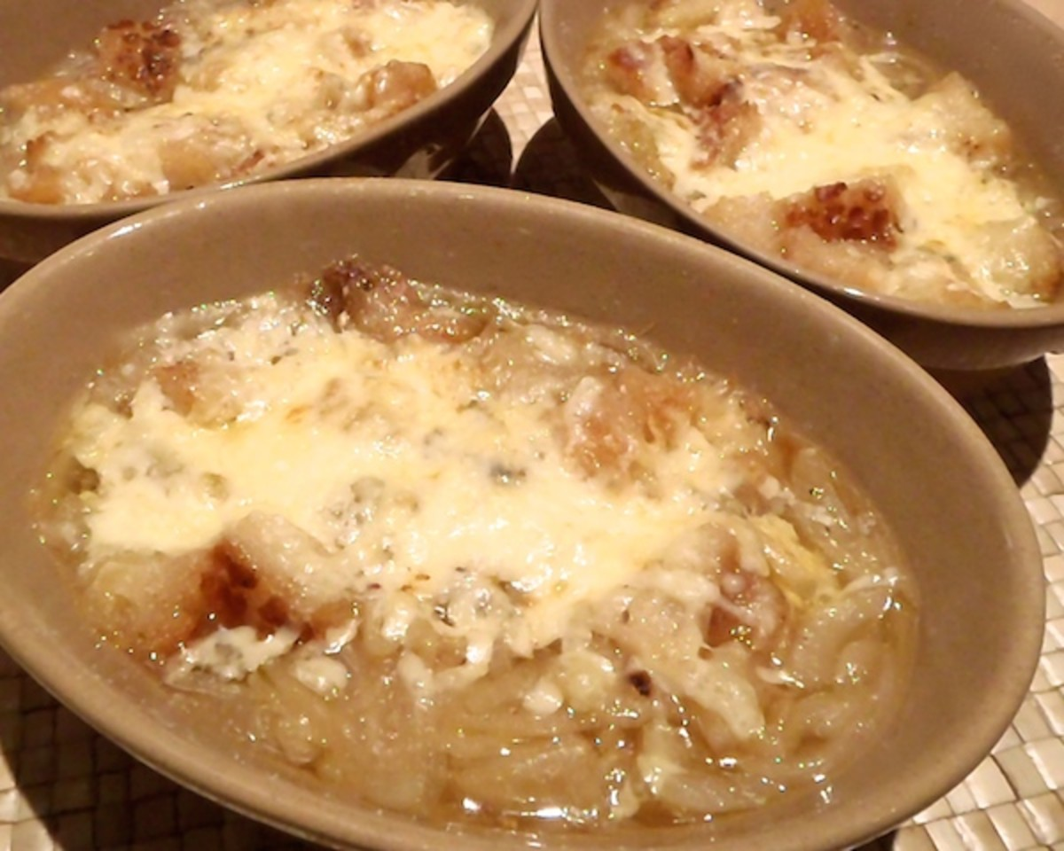 How to Make Authentic French Onion Soup