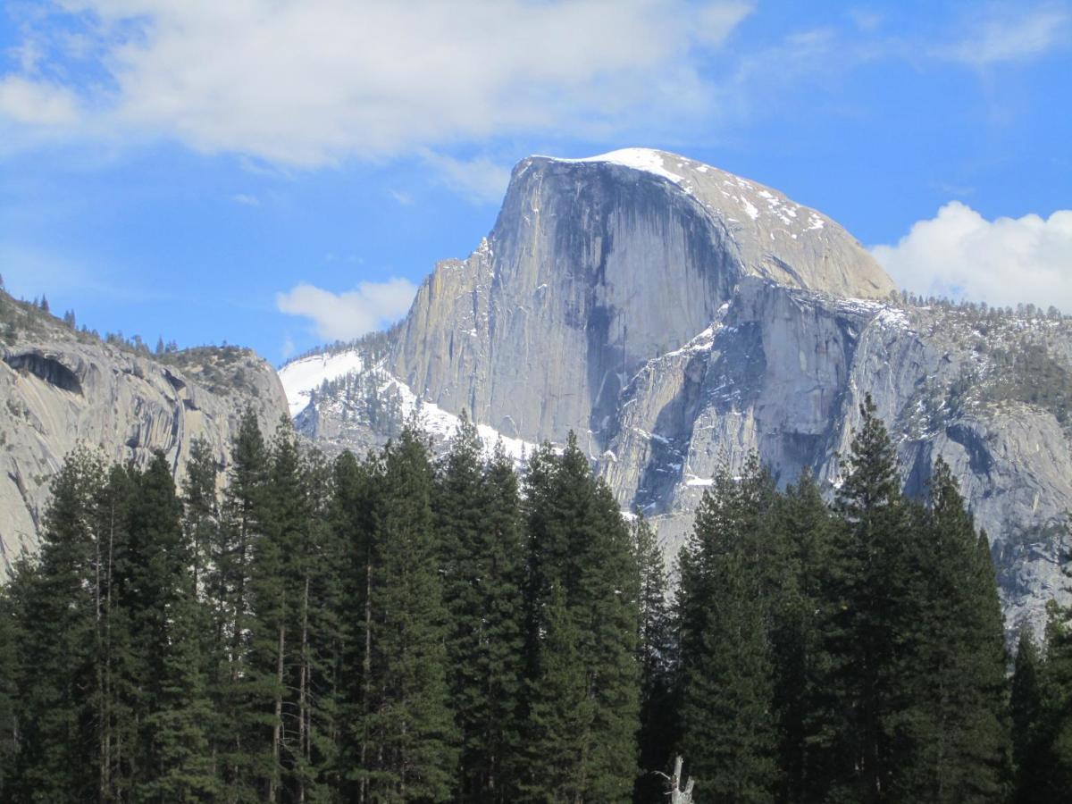 Camping Outside Yosemite National Park and Yosemite Valley