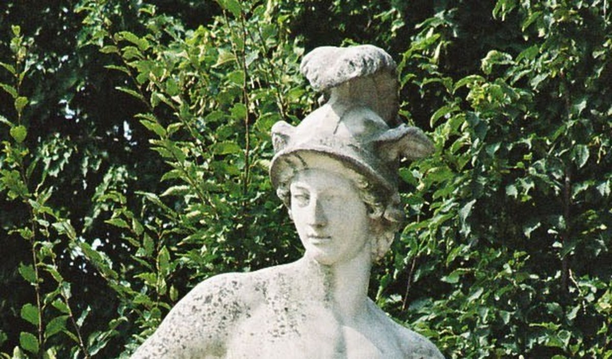 A statue of Perseus cropped to show only his head.