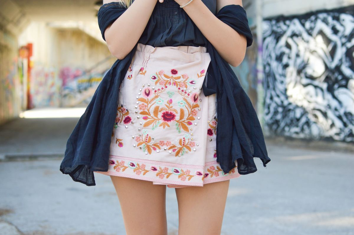 How to Look Good in a Mini Skirt