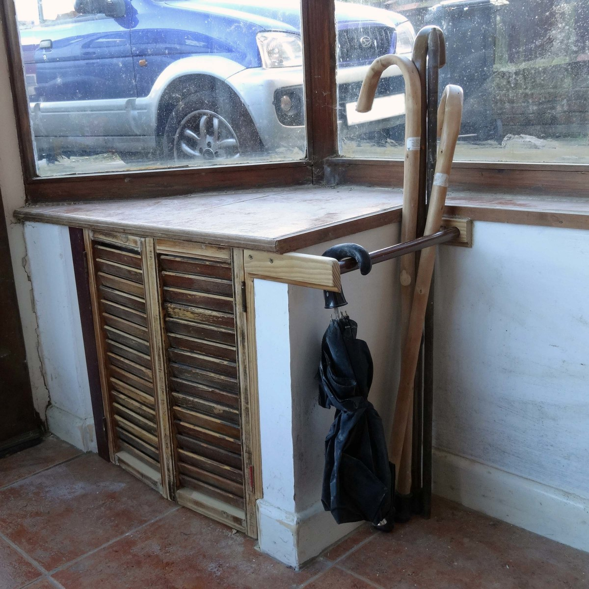 How to make a simple walking stick and umbrella rack