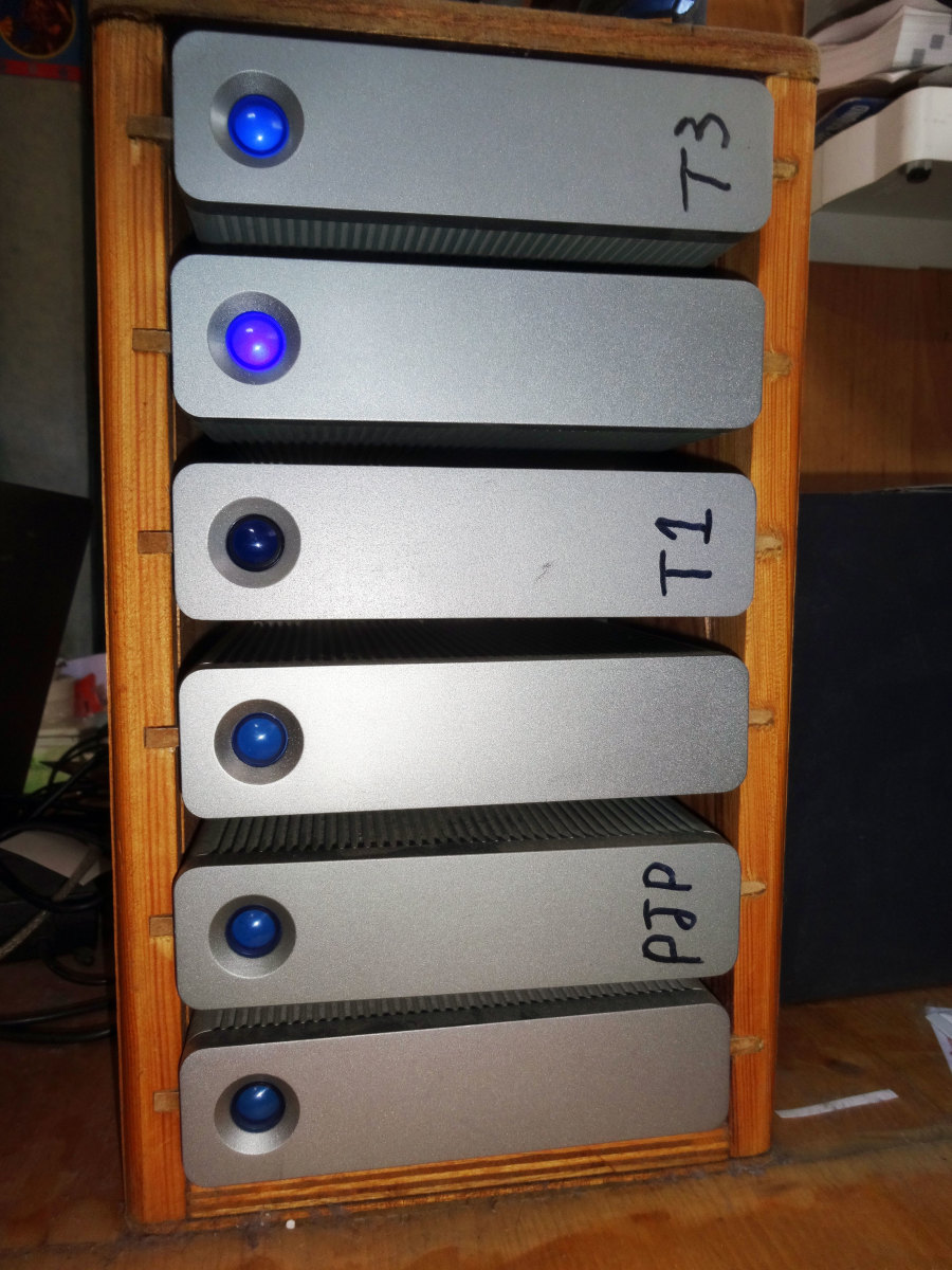 Wooden HDD Storage Rack