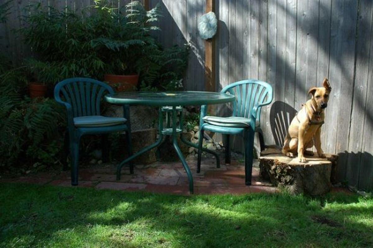 Backyard corner patio for two!