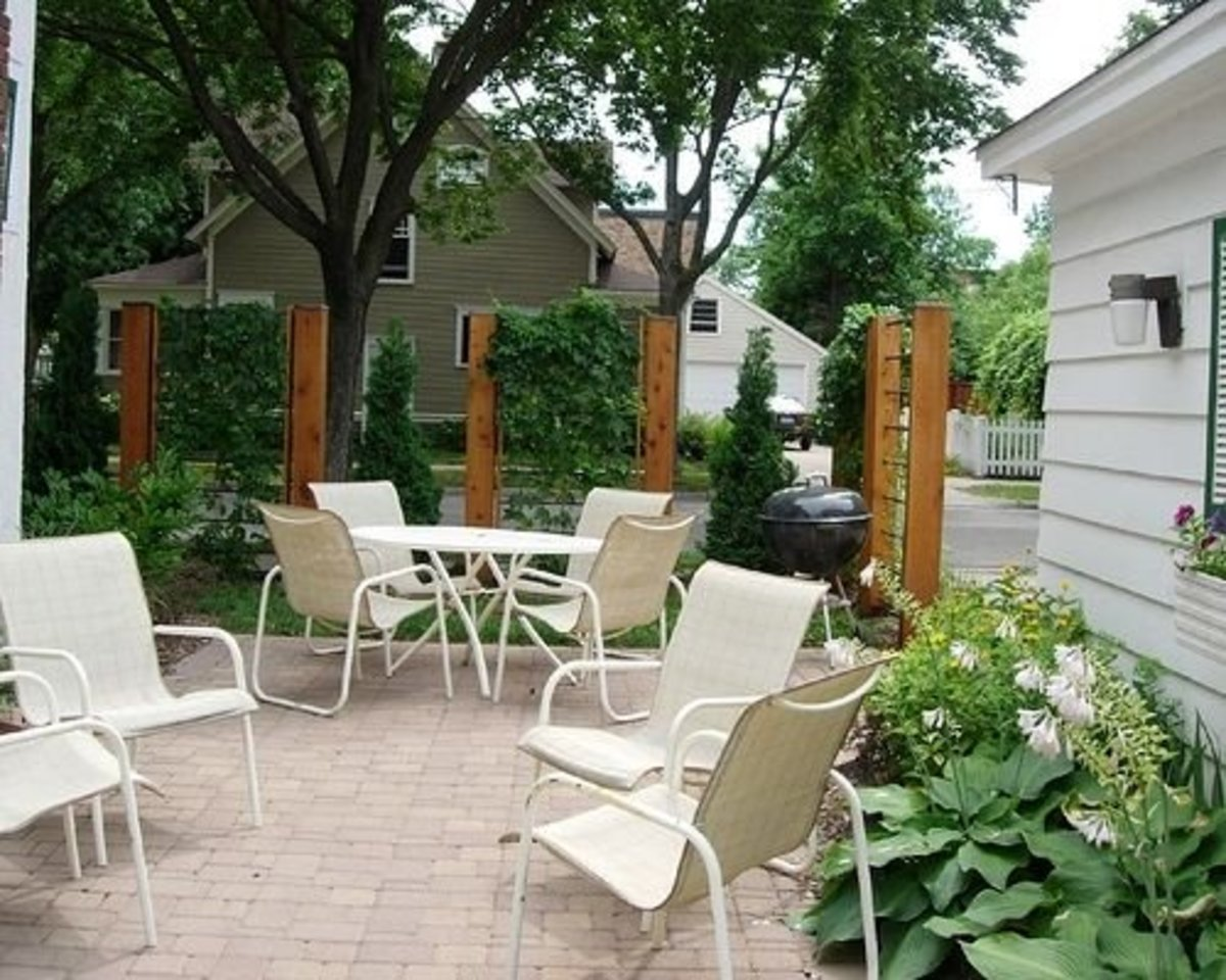 Sideyard patio
