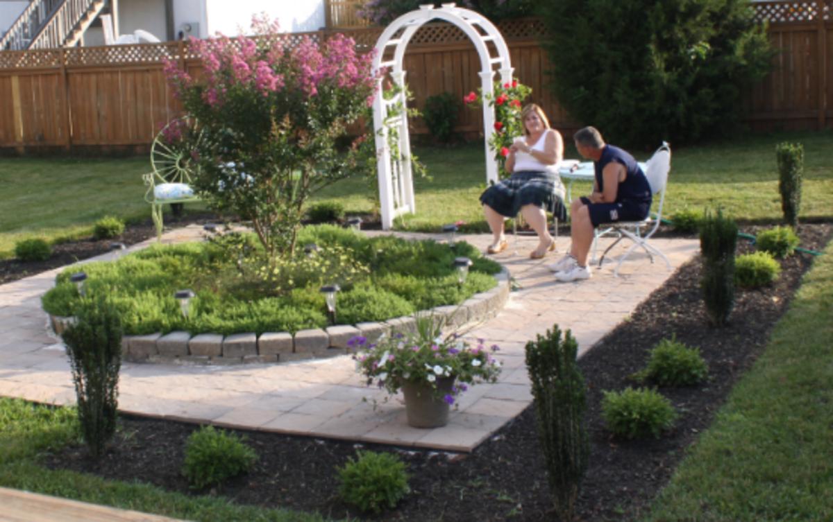 Patio around a garden center point