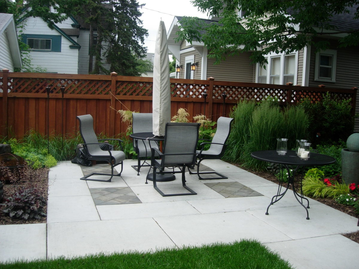 Large paver stones in white with grey accents