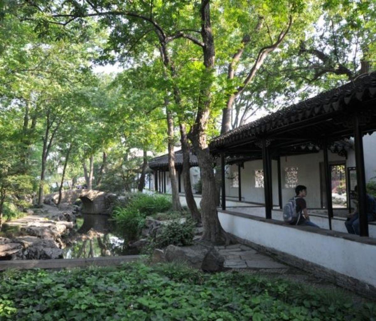 Chinese garden corridors