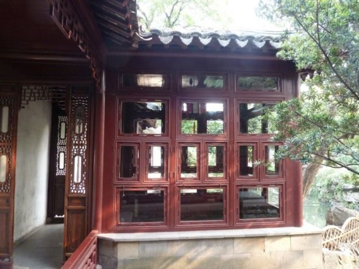 Moon viewing pavilion in the Couple's Garden, Suzhou