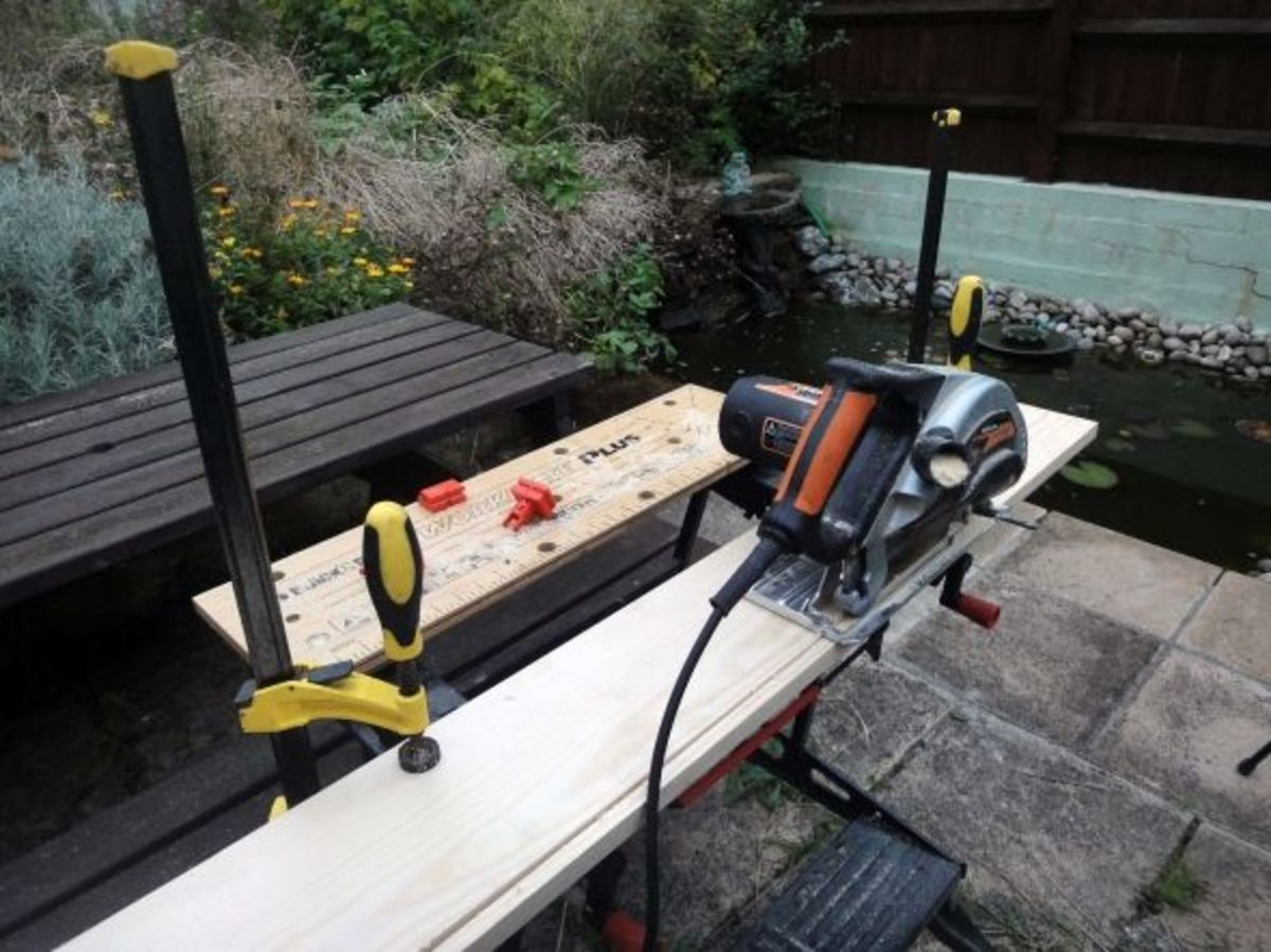 Cutting timber width with a circular saw.