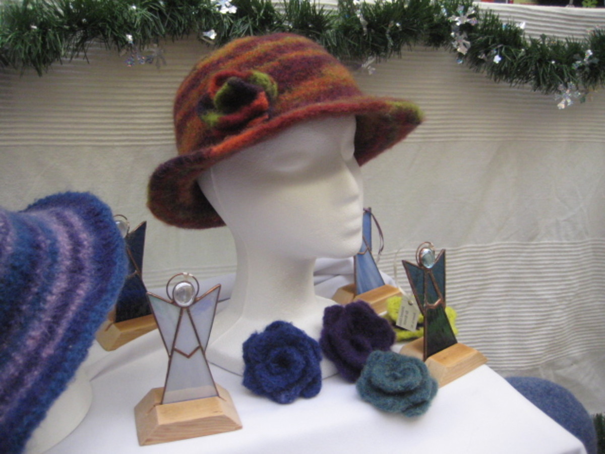 How to Make a Felted Flower Pin—Free Pattern