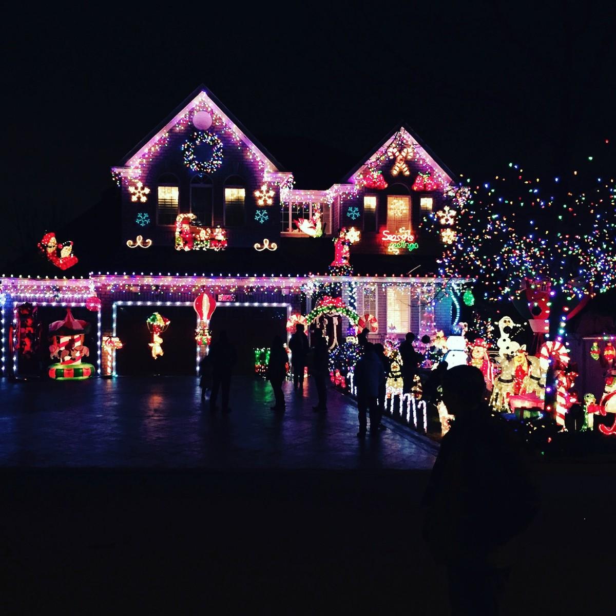 Even you can hang elaborate Christmas lights like this!