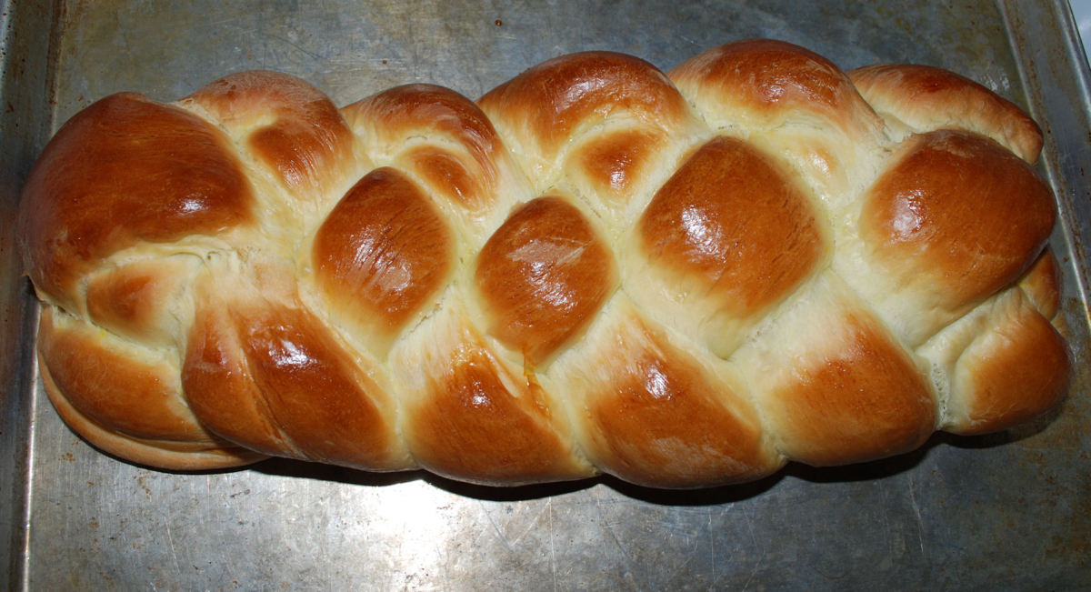 Our 2011 Easter braided loaf.