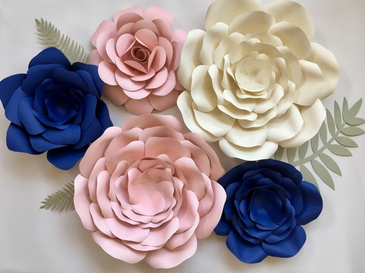 Creating paper flowers is one of the most popular paper crafts