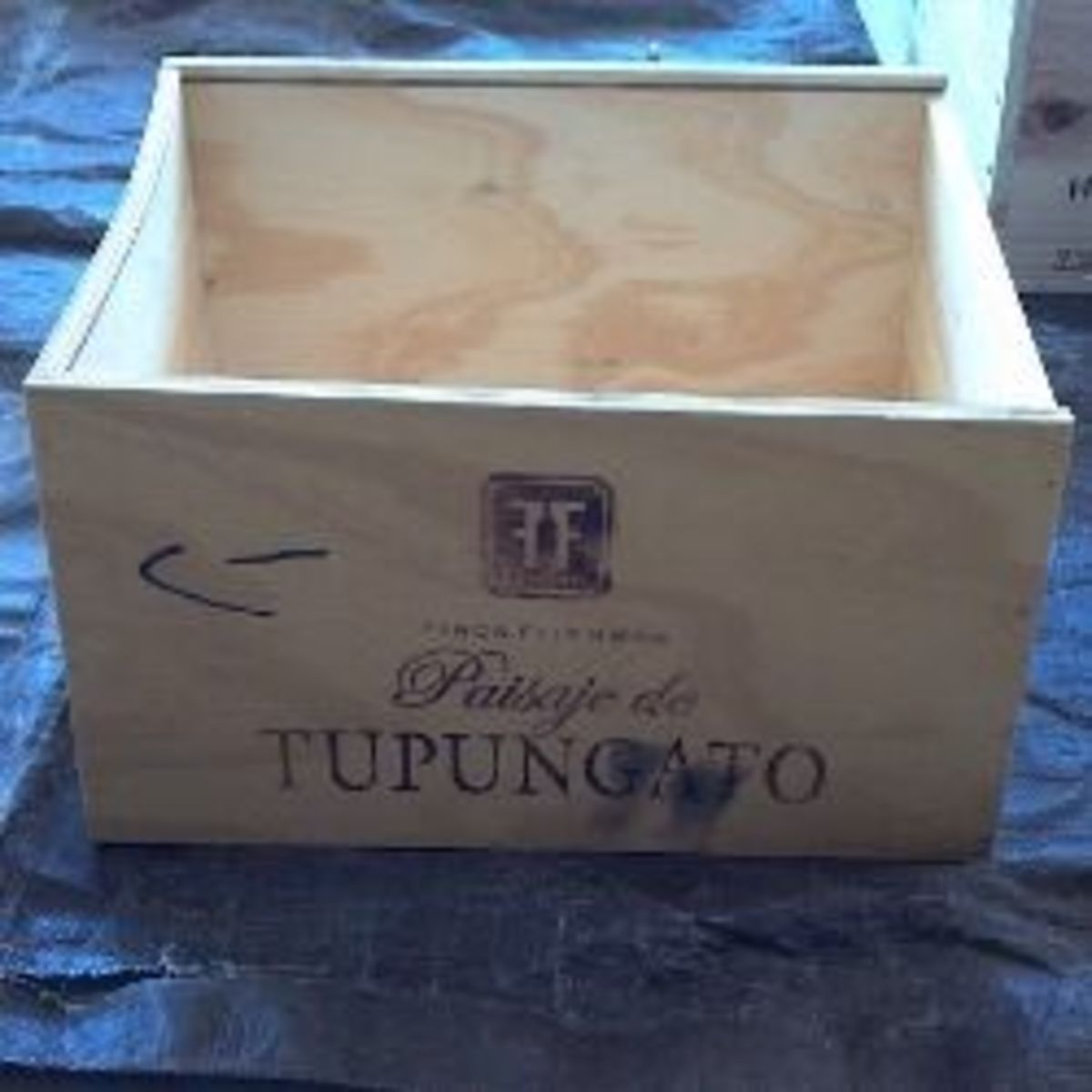 Obtain wine crates from beverage or antique stores.