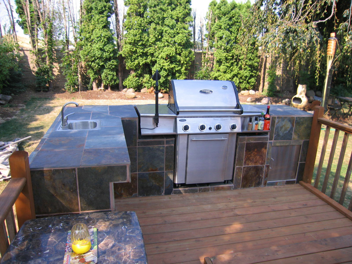 How To Build An Outdoor Kitchen And Bbq Island Dengarden